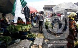 Kinshasa : du jour au lendemain, les marchés s'empilent dans l'insalubrité 1