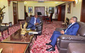 RDC : les incidents malheureux de l'I.S.D.R et la reprise des activités académiques, au centre des échanges entre Thomas Luhaka et Théo Kasi Ngwabidje, gouverneur du Sud-Kivu 1