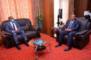 RDC : le gouverneur Théo Kasi et le ministre de l'environnement et développement durable unissent leurs forces pour relever les défis environnementaux dans la province du Sud-Kivu 1