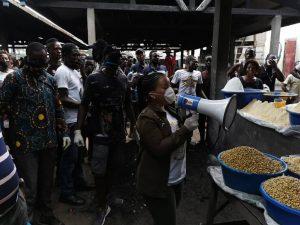 Kinshasa : la construction d'un marché provisoire dans la commune Selembao, au centre des échanges entre Liza Nembalemba,  Sam Leka et le bourgmestre de Selembao 3