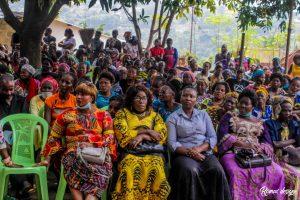 Kinshasa : la députée Liza Nembalemba procéde à l'installation de bureau dans le 18 quartiers de Selembao 1