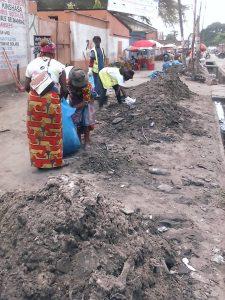 Kin-Bopeto : plus de 400 mètres de caniveaux curés et plusieurs avenues assainies dans la commune de Bandalungwa 1