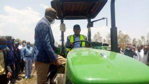 Sud-Kivu : le gouverneur Théo Kasi Ngwabidje lance la campagne agricole 2020-2021 à Bwegera 1