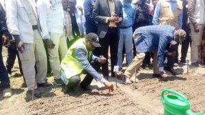 Sud-Kivu : le gouverneur Théo Kasi Ngwabidje lance la campagne agricole 2020-2021 à Bwegera 2