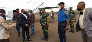 Sud-Kivu : le gouverneur Théo Ngwabidje Kasi regagne sa province après une mission de travail de 3 jours à Goma 1