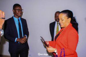Kinshasa : Liza Nembalemba primée par le Magazine 100% Bopeto pour son implication dans la lutte contre l'insalubrité 2