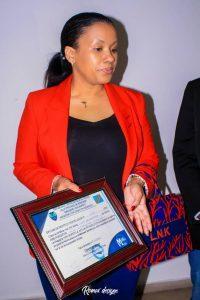 Kinshasa : Liza Nembalemba primée par le Magazine 100% Bopeto pour son implication dans la lutte contre l'insalubrité 1