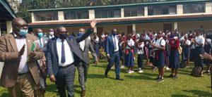 Sud-Kivu/ rentrée scolaire : Théo Ngwabidje Kasi appelle tous les élèves à l'assiduité et au respect des gestes barrières 3