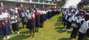 Sud-Kivu/ rentrée scolaire : Théo Ngwabidje Kasi appelle tous les élèves à l'assiduité et au respect des gestes barrières 1